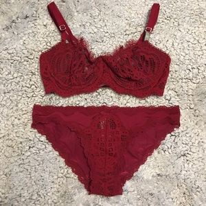 Victoria's Secret unlined bra/panty 32C/Small NWT